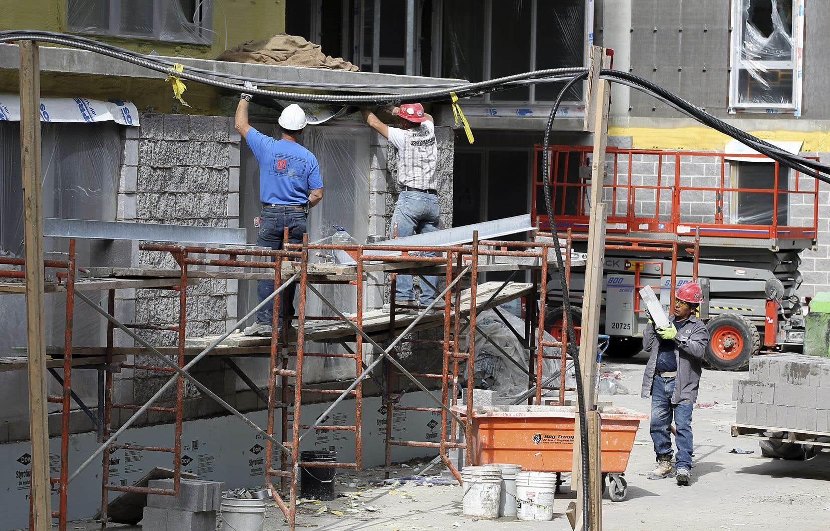 Les PME des secteurs des services et de la construction verront leur taux d'imposition reculer de 8 à 4%.