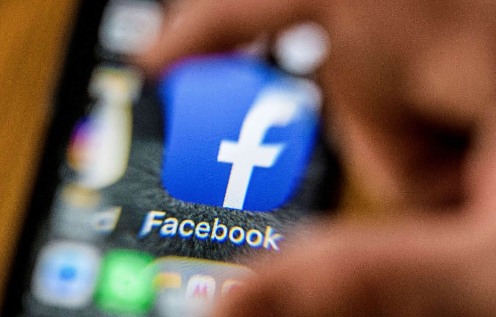 Malgré les excuses formulées le 21 mars, Facebook n'a pas réussi à faire retomber la polémique sur la protection défaillante des données personnelles.
