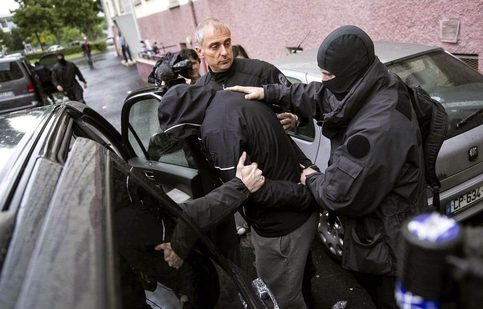 Arrestation d'un présumé djihadiste à Strasboug en 2014. L'étude de Marc Hecker «permet de mieux comprendre les processus de radicalisation et de basculement dans le terrorisme».