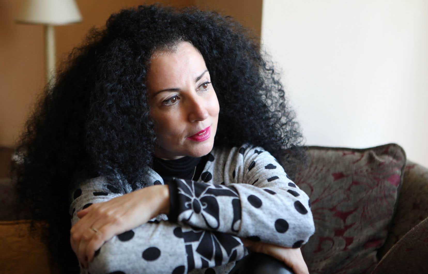 «[La] question [du vivre ensemble] est coincée dans les mâchoires crocodilesques du manichéisme», résume l'essayiste Rachida Azdouz.