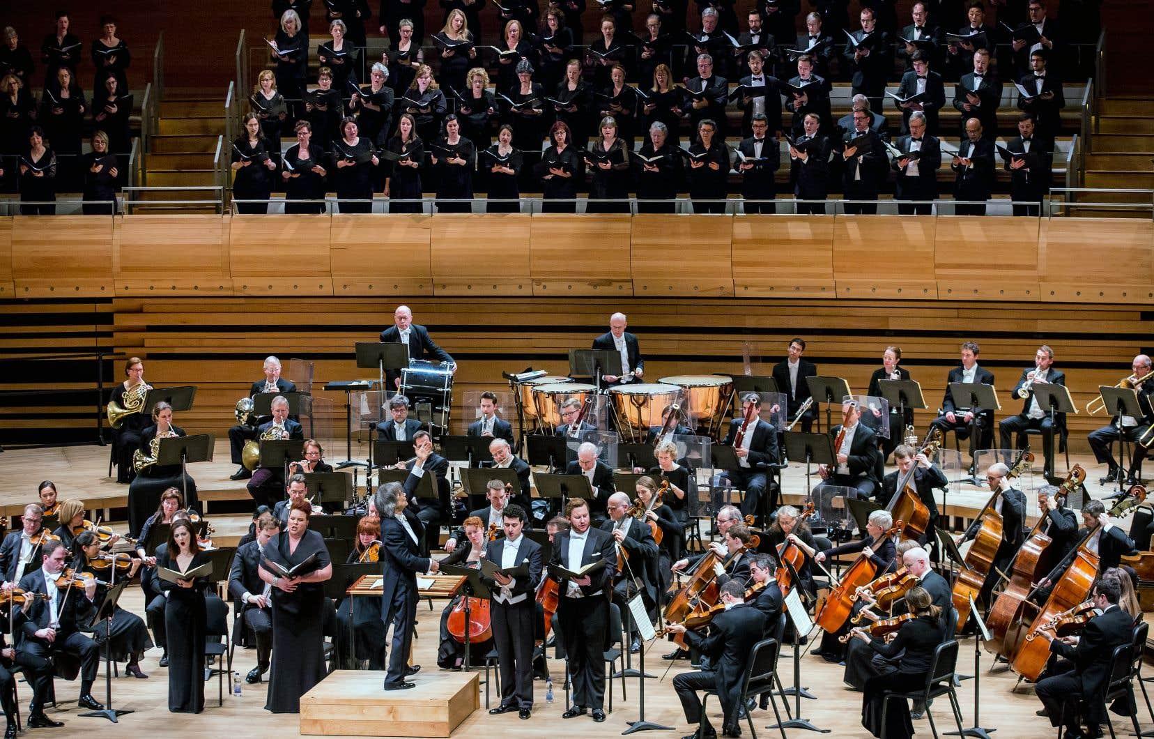 Le chef d'orchestre Kent Nagano dirige l'orchestre depuis 2006.