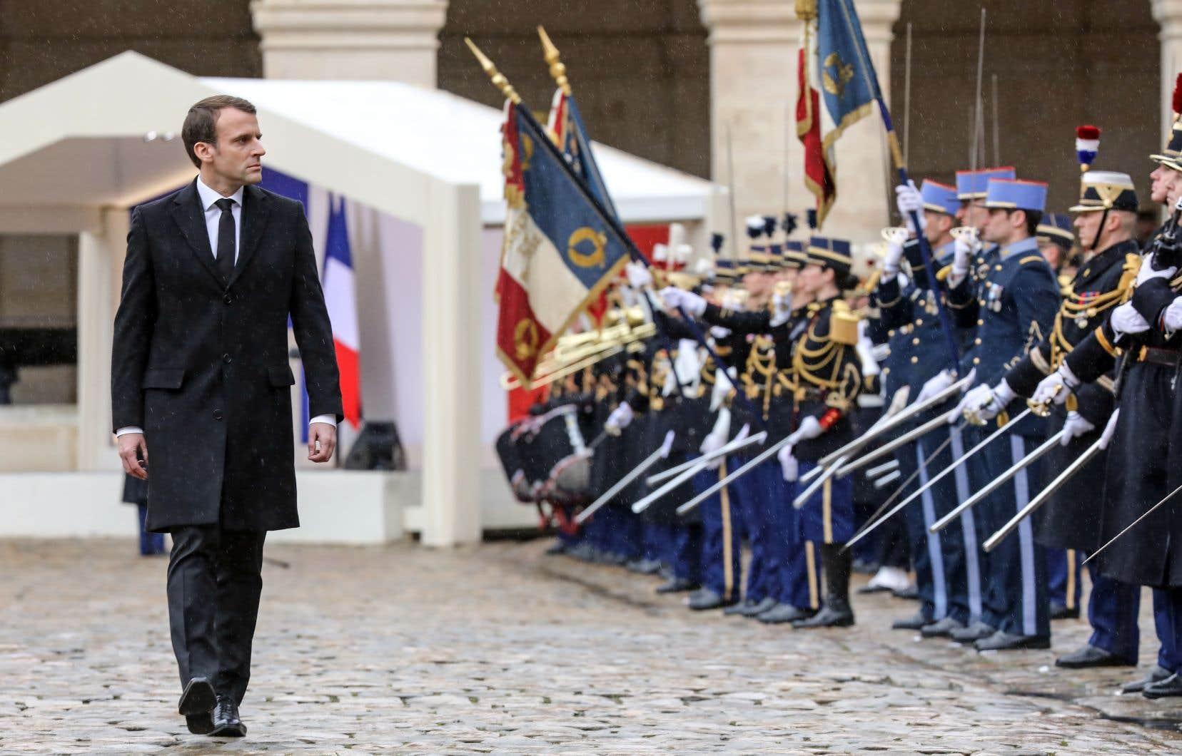 Mercredi, le président français, Emmanuel Macron, a assisté à une cérémonie nationale en hommage au lieutenant-colonel Arnaud Beltrame, qui s'était substitué à une des otages faites lors de l'attaque terroriste perpétrée à Trèbes, le 23mars.
