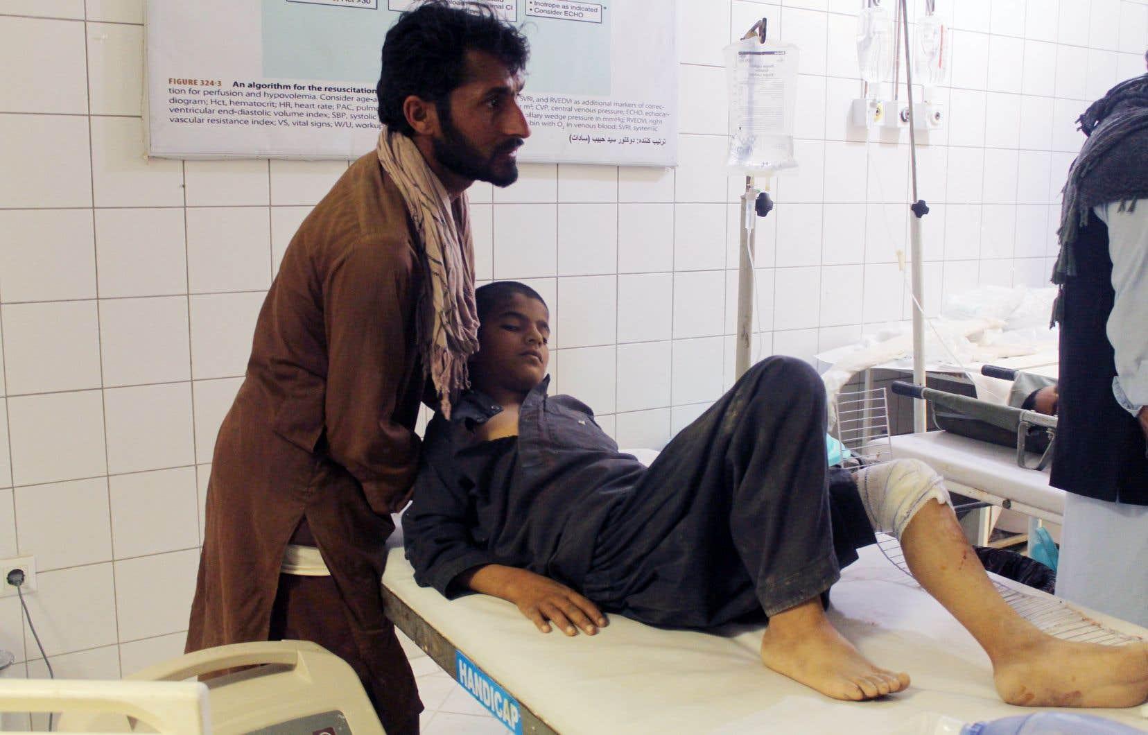 De nombreux enfants et adolescents étaient parmi les blessés, selon un photographe de l'Agence France-Presse.