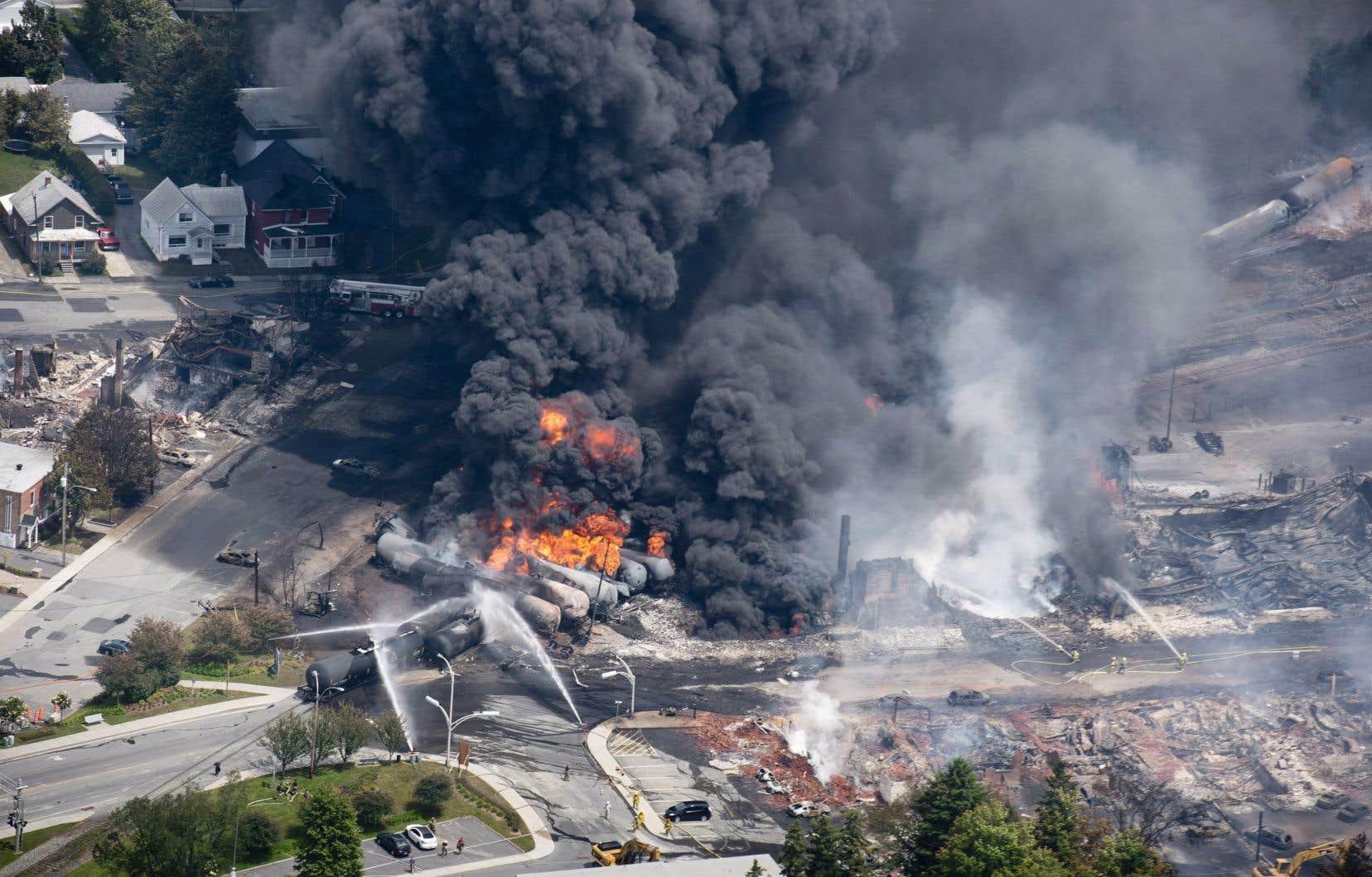 Ceci met fin à toutes les procédures criminelles intentées après le déraillement du train qui a fait 47 morts à Lac-Mégantic le 6 juillet 2013.