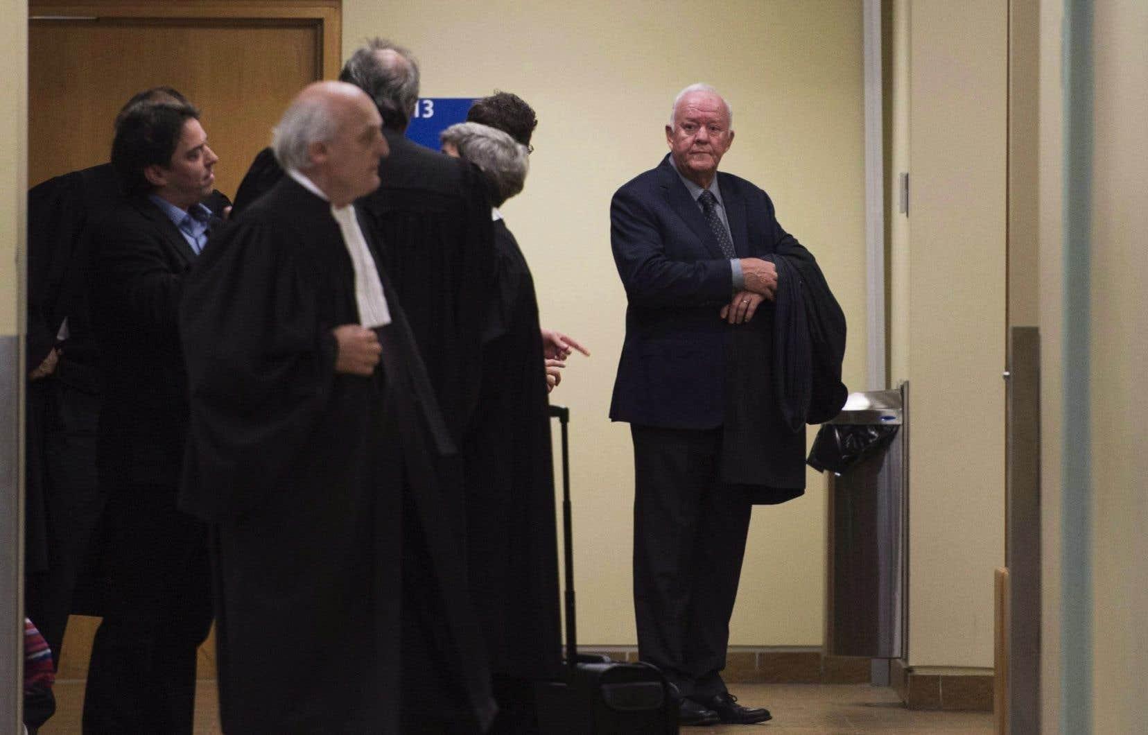 Les avocats de l'ex-ministre libéral Marc-Yvan Côté (sur la photo) et de quatre de ses coaccusés demandent au juge André Perreault de se récuser.