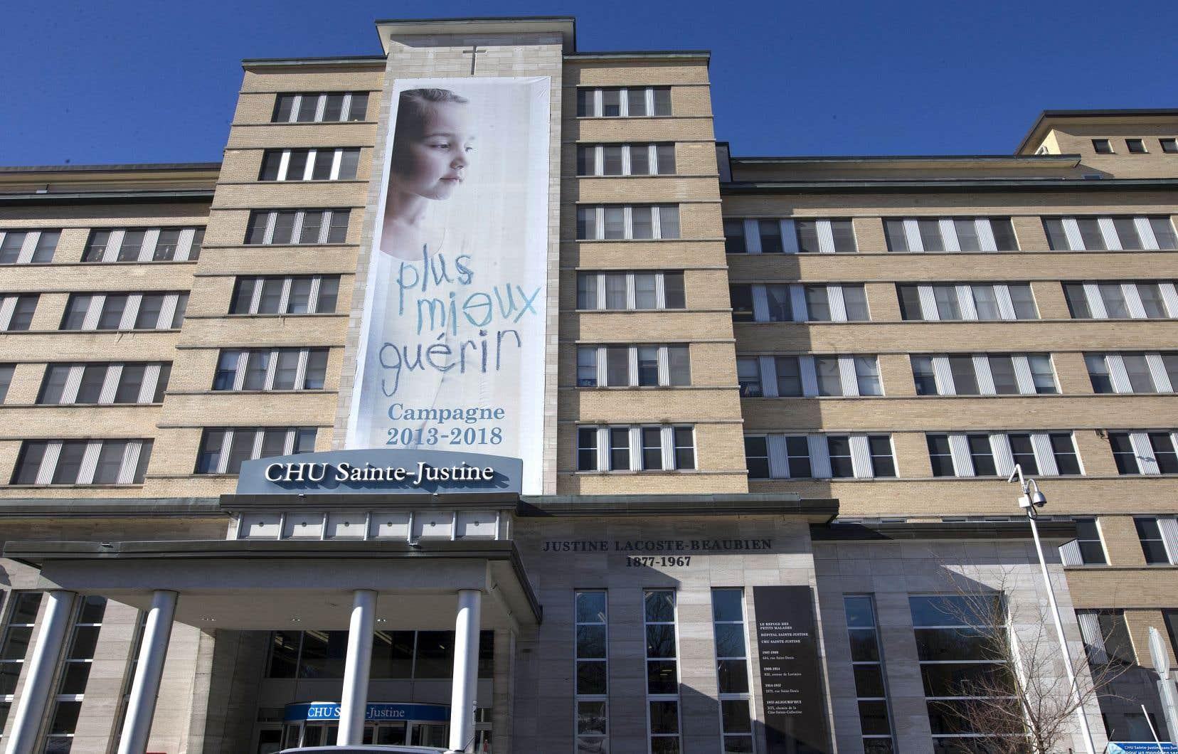 Les médecins du CHU Sainte-Justine ont adopté le 22 mars dernier une résolution autorisant le Conseil des médecins, dentistes et pharmaciens à entamer des actions juridiques.