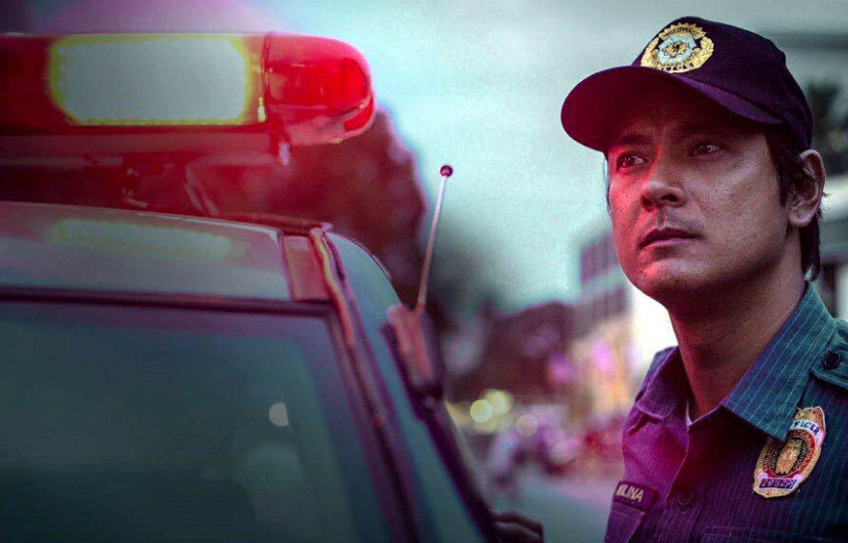«AMO» s'inspire de la violente lutte antidrogue du controversé président Rodrigo Duterte, laquelle aurait fait 20 000 morts.