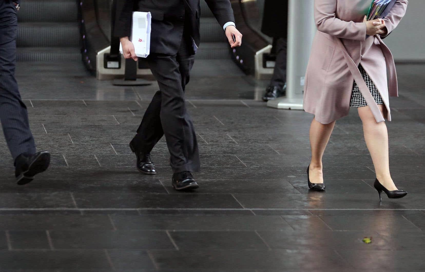 Selon une liste publiée par le gouvernement du Royaume-Uni, un homme gagne en moyenne 12% de plus qu'une femme.