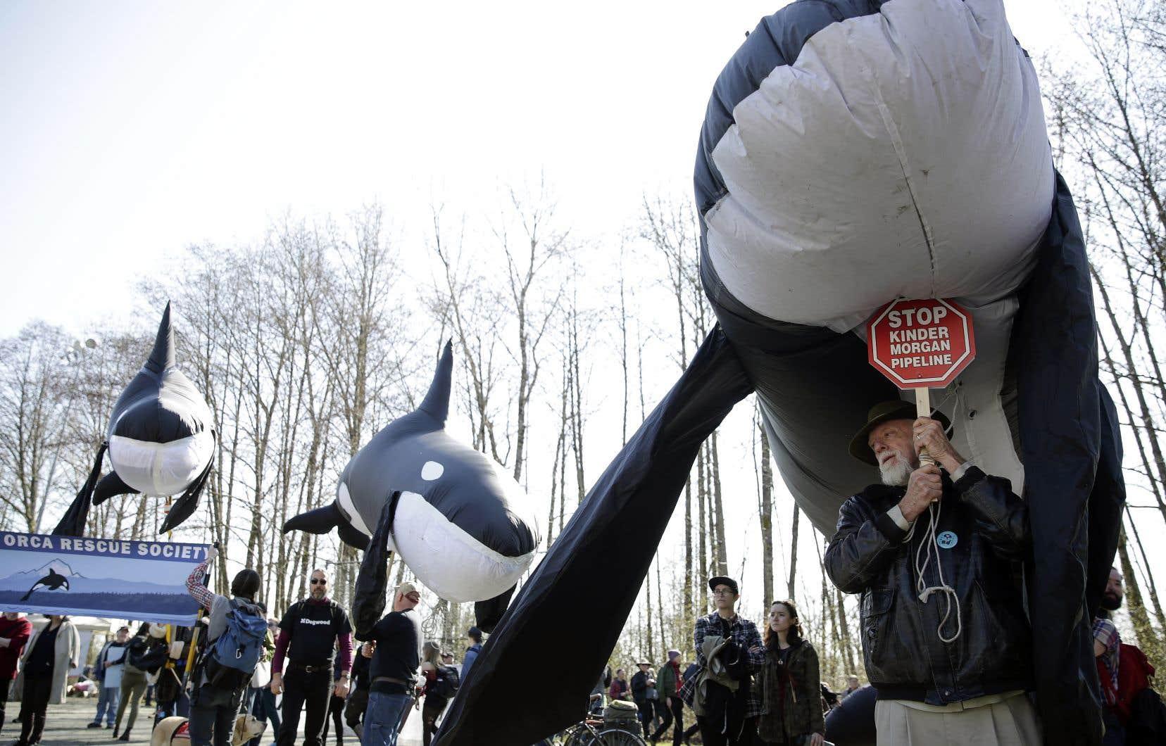 Le projet de Kinder Morgan a rencontré une forte opposition au fil du temps, provoquant plusieurs manifestations dont celle-ci, le 10 mars dernier à Burnaby, en Colombie-Britannique.