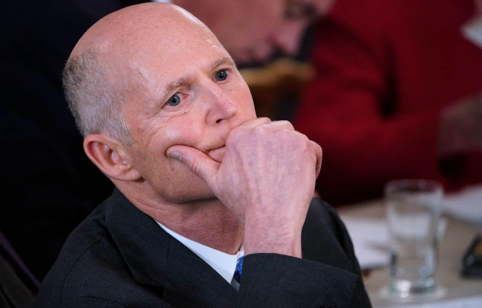 Le gouverneur républicain de Floride, Rick Scott, a annoncé lundi sa candidature au poste de sénateur lors des élections parlementaires de novembre.