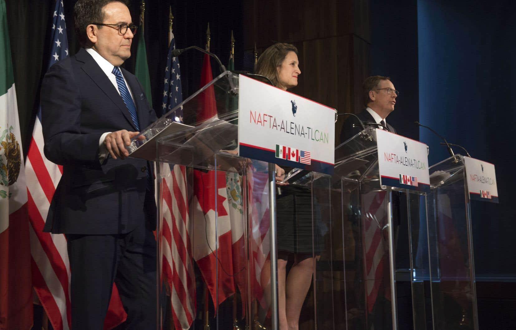 Le ministre mexicain de l'Économie, Ildefonso Guajardo (à gauche), la ministre canadienne des Affaires étrangères, Chrystia Freeland, et le représentant américain du Commerce, Robert Lighthizer, à Montréal, en janvier dernier.