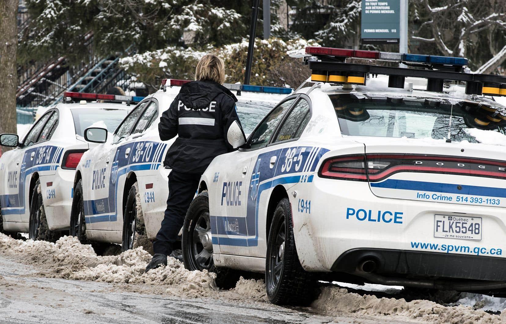 Dans l'exercice de ses fonctions, une policière n'est pas juste une citoyenne.