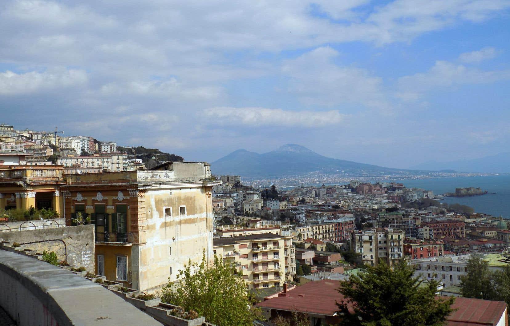 Vue de Naples construite en amphithéâtre et du Vésuve, en montant vers San Martino.
