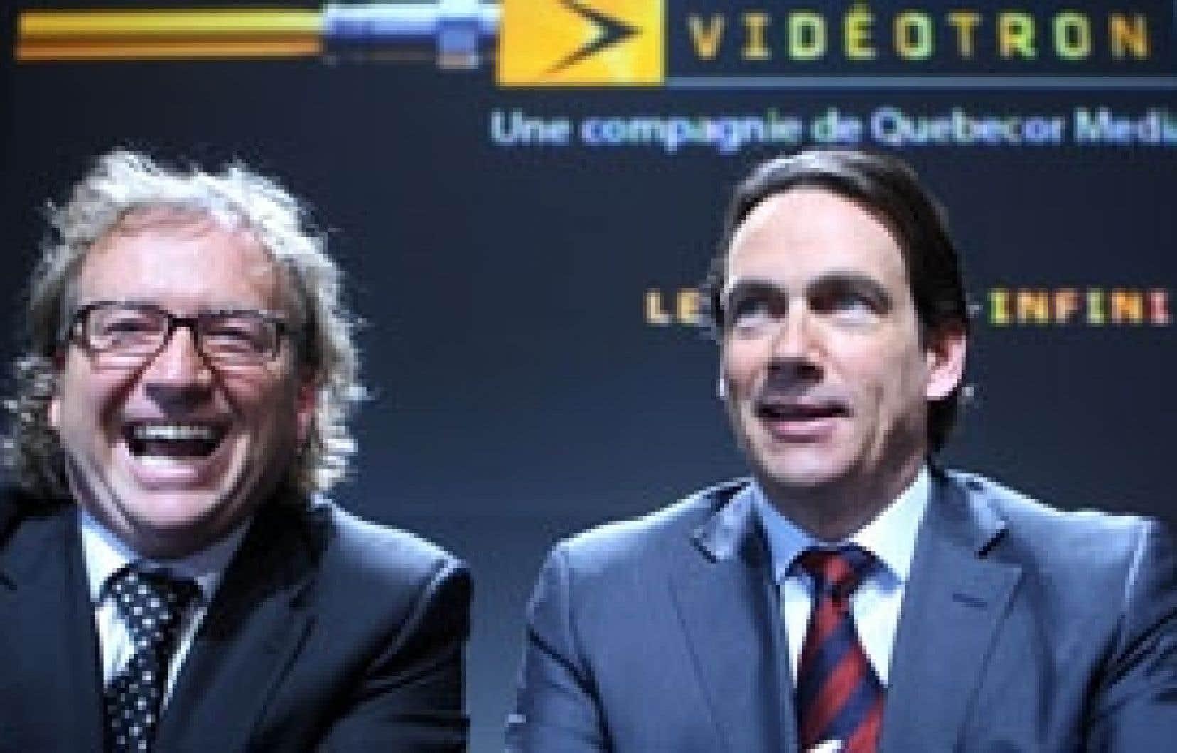 Le président et chef de la direction de Vidéotron, Robert Dépatie, et son homologue chez Quebecor, Pierre Karl Péladeau, ont annoncé hier que le réseau sans fil de Vidéotron devrait être opérationnel d'ici 12 à 18 mois.