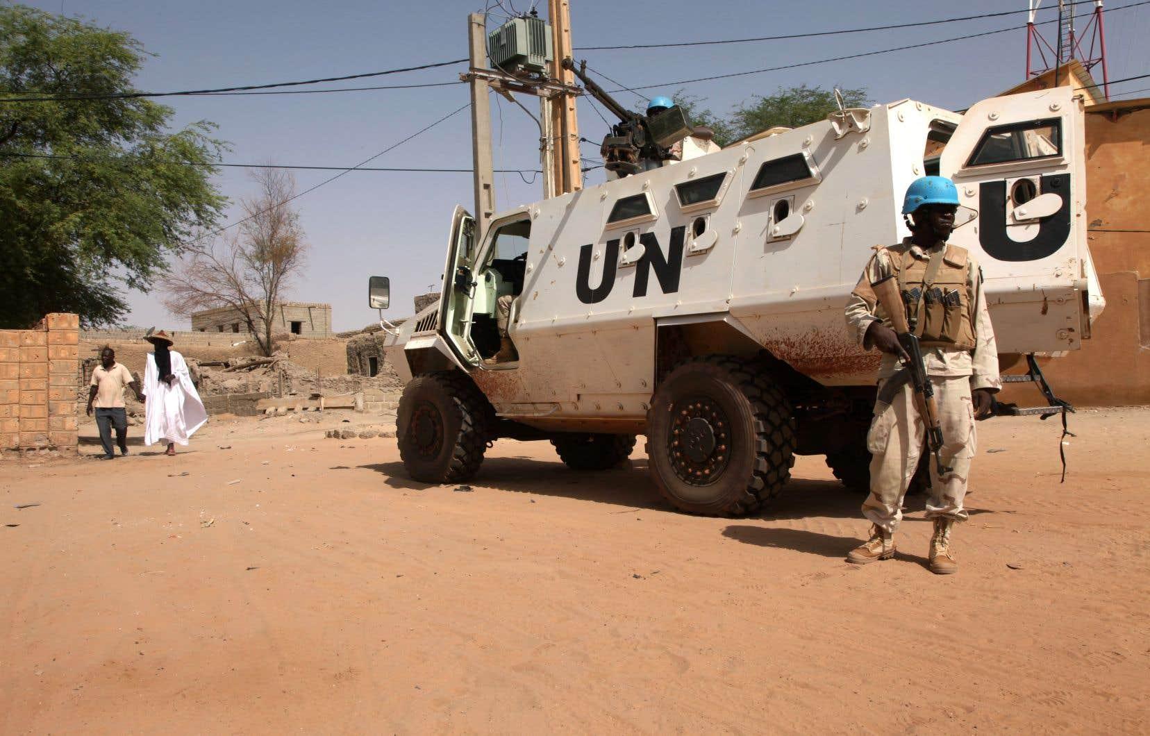 Déployée au Mali en juillet 2013, la Minusma, qui compte environ 12500 militaires et policiers, est actuellement la mission de maintien de la paix de l'ONU la plus coûteuse en vies humaines.