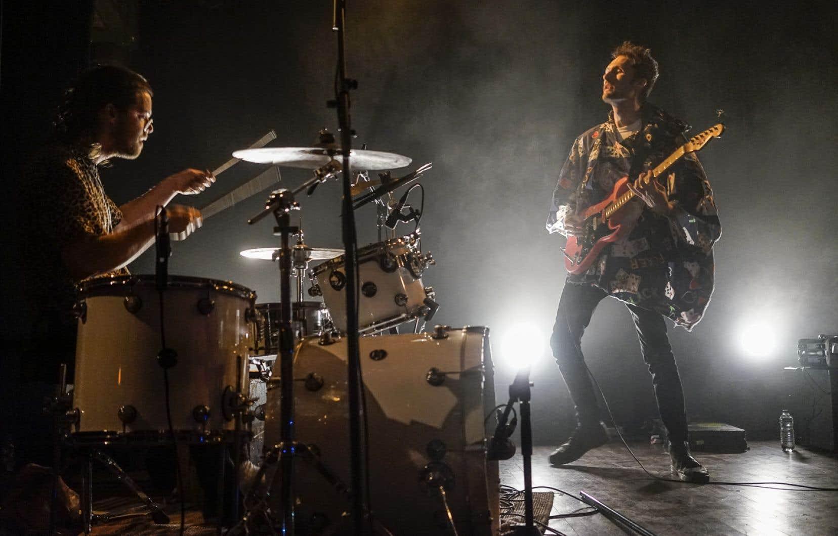Le choc des univers musicaux a peut-être profité au duo punk CRABE qui clôturait la soirée.