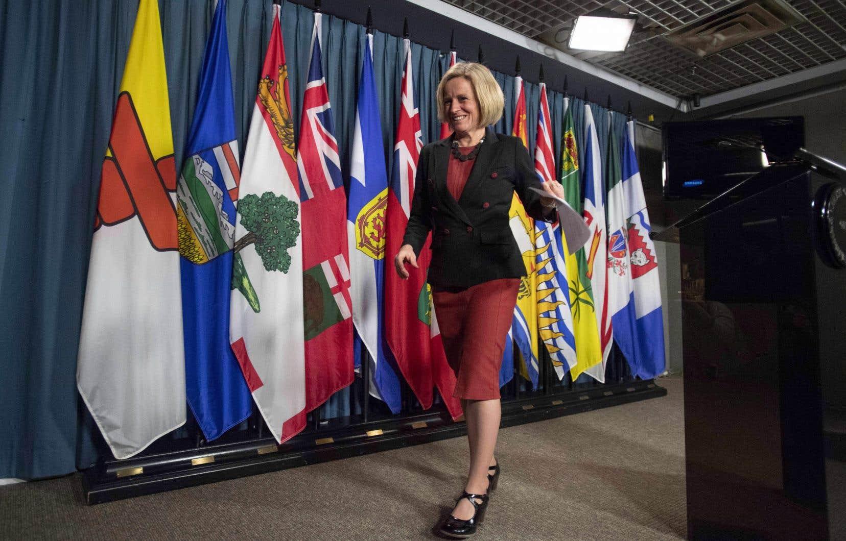 La première ministre de l'Alberta, Rachel Notley, refuse de dire que le projet de loi est une mesure de représailles contre la Colombie-Britannique.