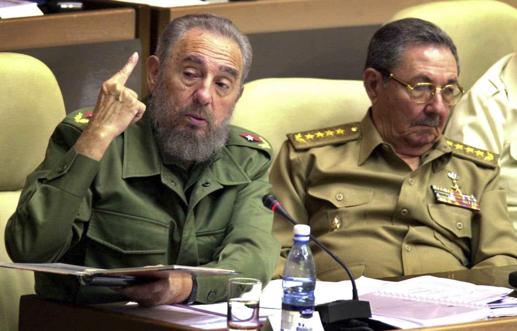 Les frères Castro, Fidel et Raúl, ont dirigé Cuba depuis la révolution.