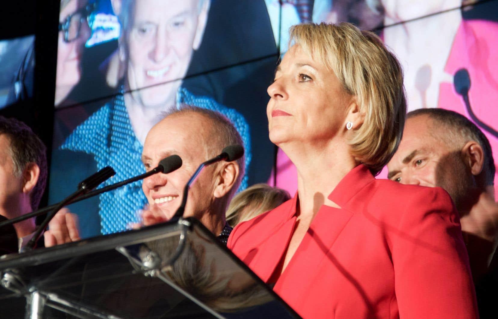 La mairesse de Longueuil, Sylvie Parent, lors de sa victoire électorale du 5 novembre 2017.