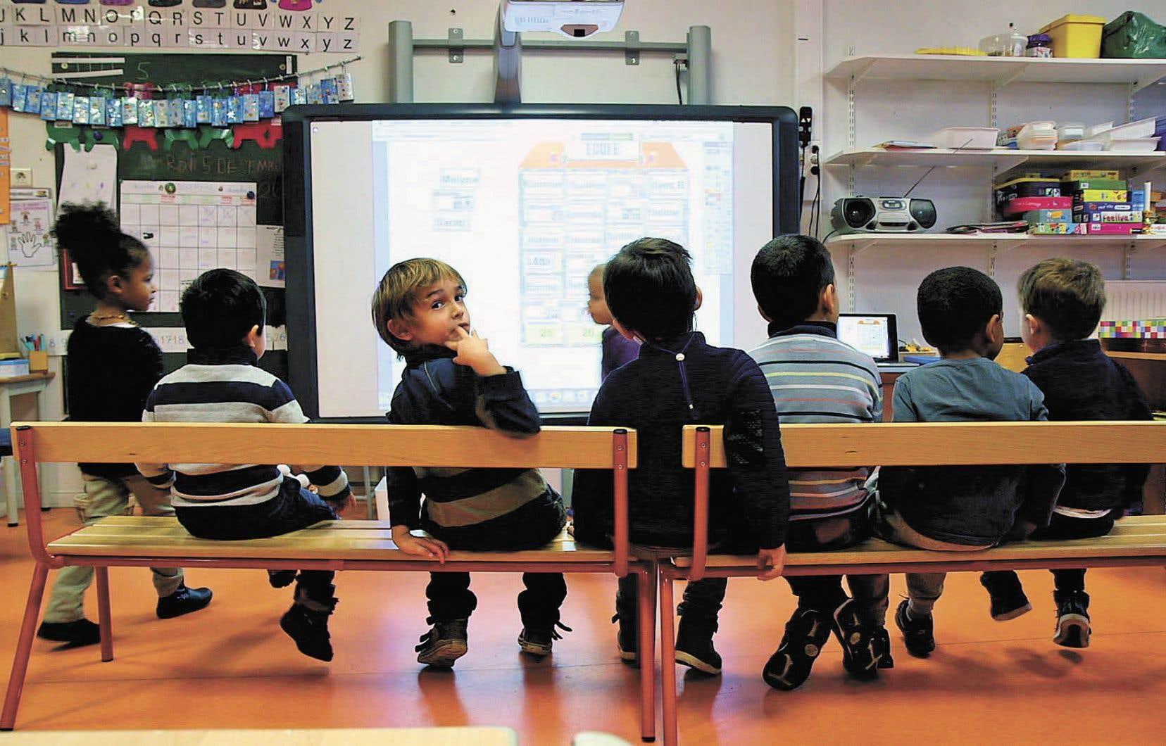 Rapidement, on répond à la question de départ: oui, les enfants fréquenteront toujours des établissements scolaires en 2030.