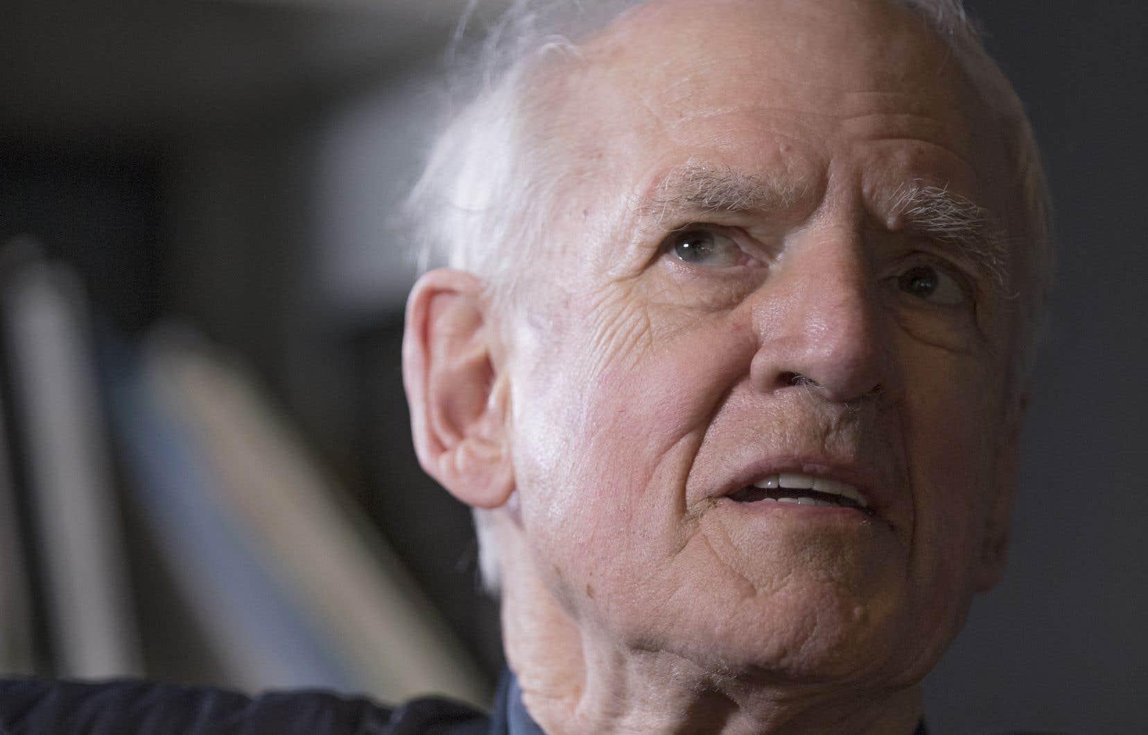 «Il y a des intellectuels qui se tiennent à l'écart, mais ce n'est pas mon cas», déclare Charles Taylor.