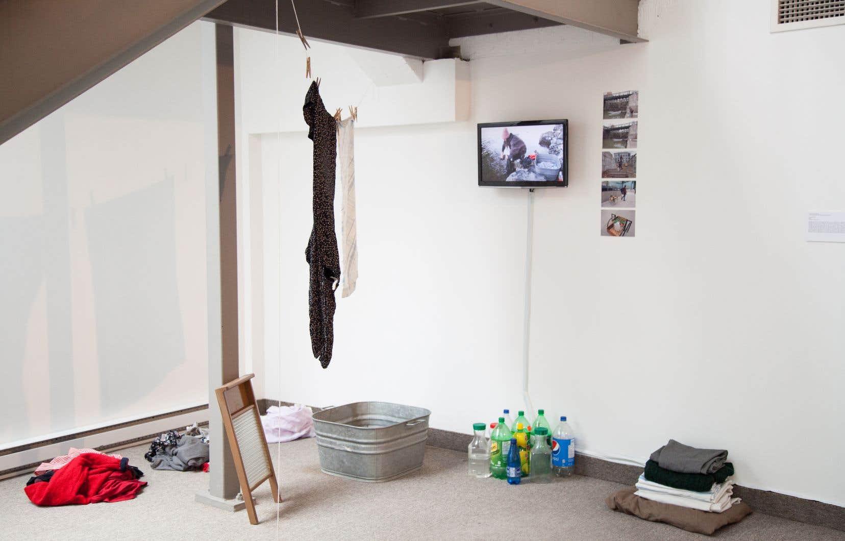 L'espace actuellement investi par l'exposition «À louer» a été occupé par le groupe d'Anne-Marie Ninacs pendant six mois.