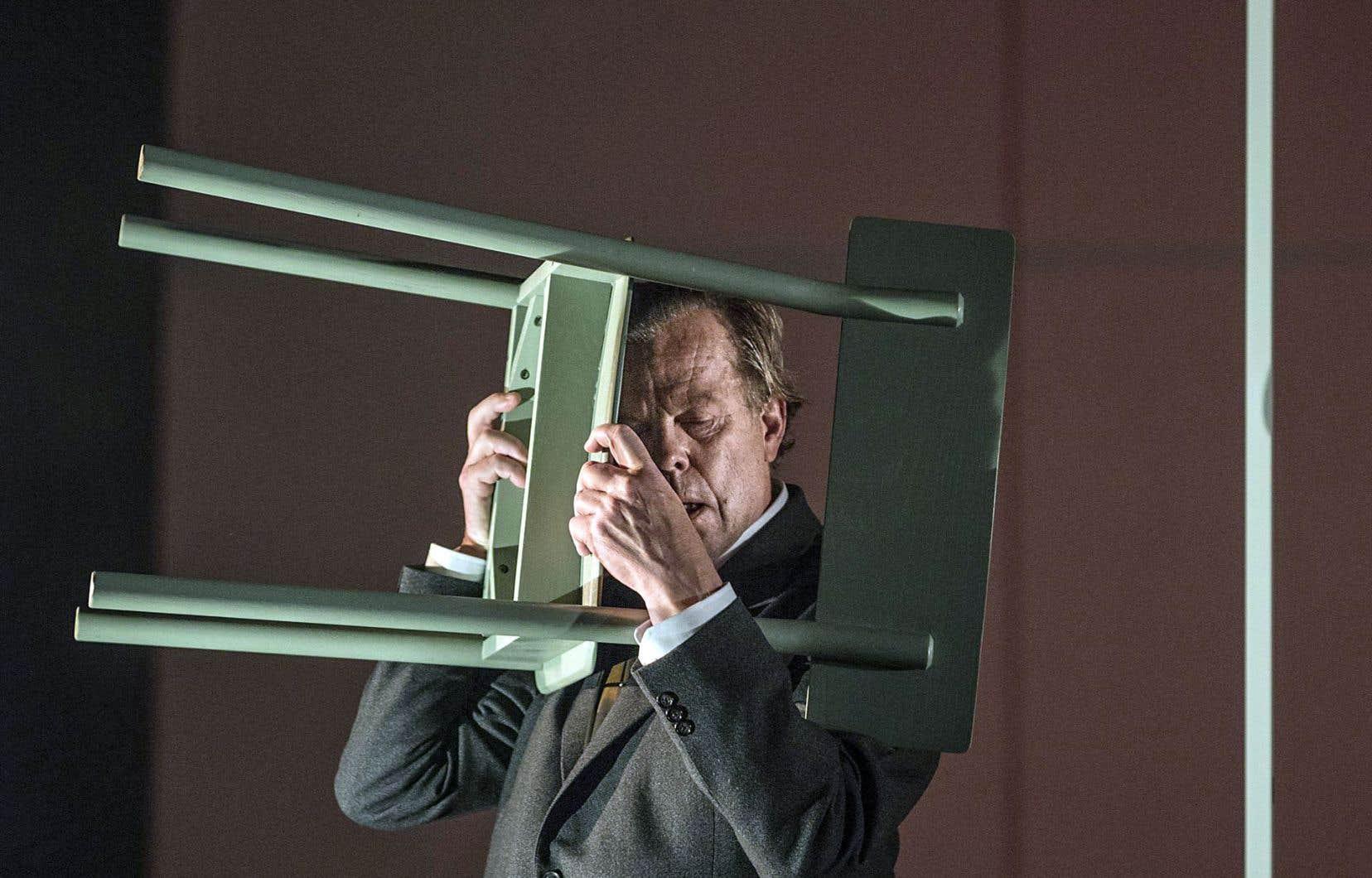 Peder Bjurman présente, avec ce spectacle inspiré par le roman de Hjalmar Söderberg, un versant de son travail qui est moins connu des Québécois.