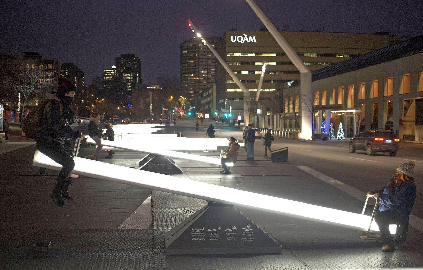 «Impulsion» est l'œuvre emblème de l'événement Luminothérapie, présenté l'hiver dernier sur la place des Festivals, à Montréal.