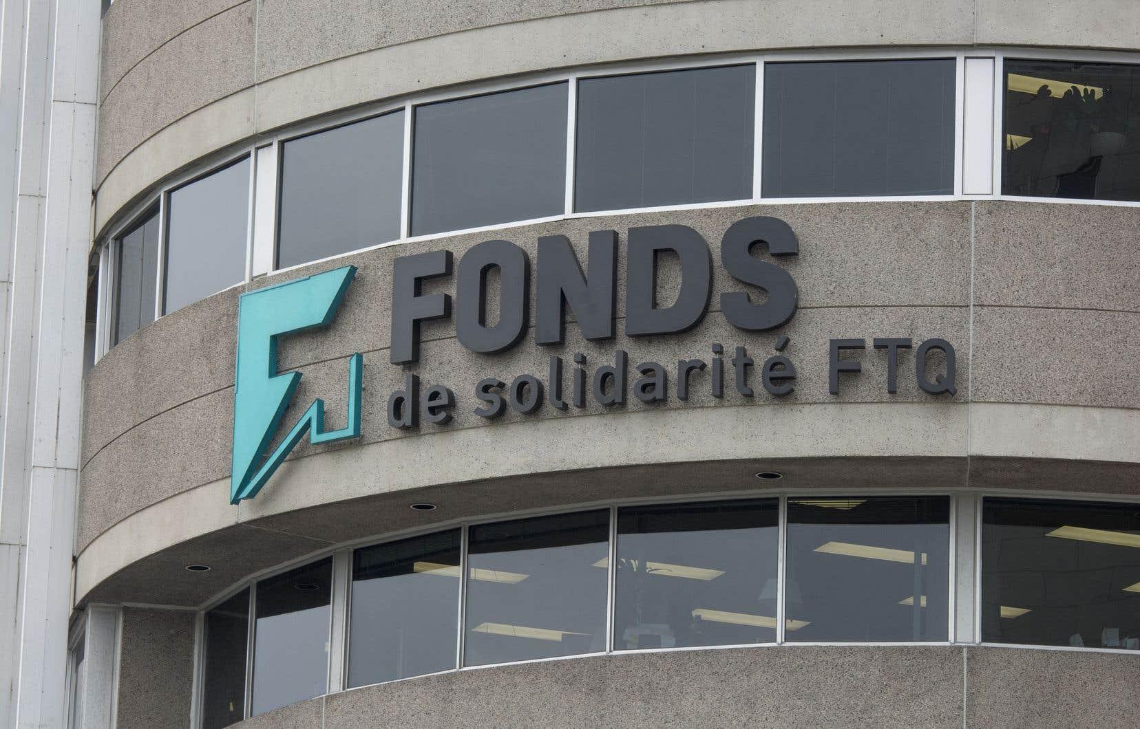 La plus grande centrale syndicale du Québec propose, entre autres, de hausser le salaire minimum à 15$.