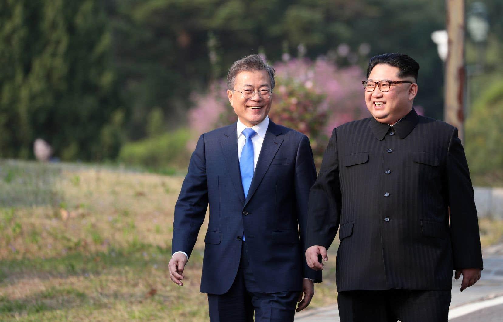 Les dirigeants des deux Corées, Kim Jong-un et Moon Jae-in, ont tenu vendredi un sommet historique.