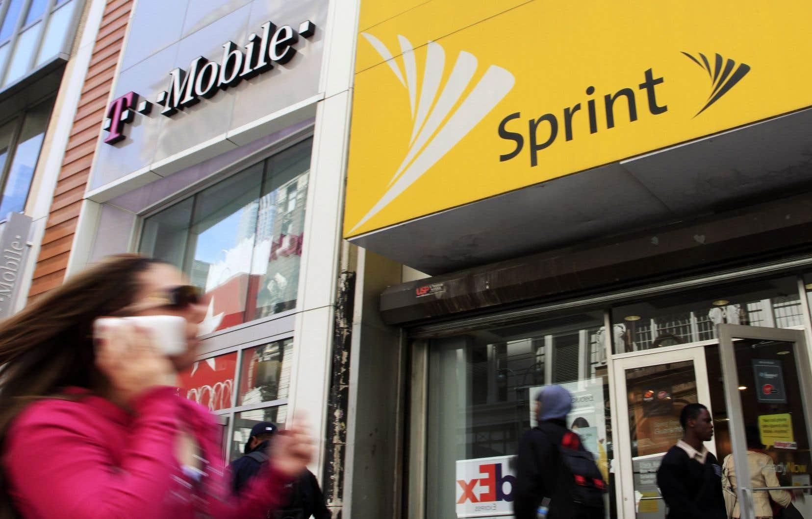 T-Mobile et Sprint ont annoncé dimanche avoir conclu un accord de fusion.