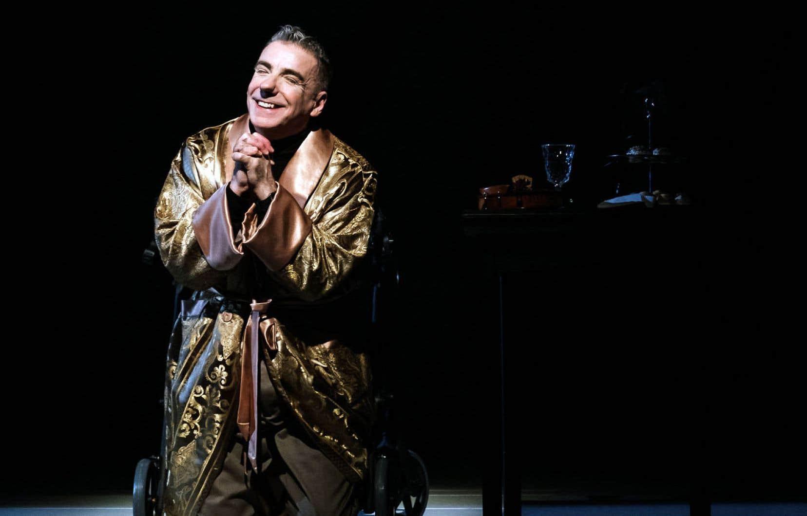 Le comédien Jacques Leblanc livre un Salieri imposant.