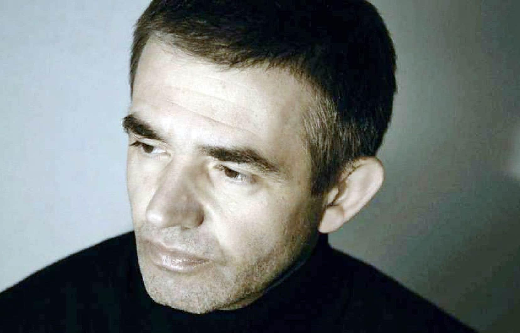 De la veille de l'attentat de «Charlie Hebdo» jusqu'à ceux du Bataclan la même année, Philippe Lançon raconte son «petit Golgotha hospitalier», faisant le récit de sa vie avant, pendant et après l'événement.