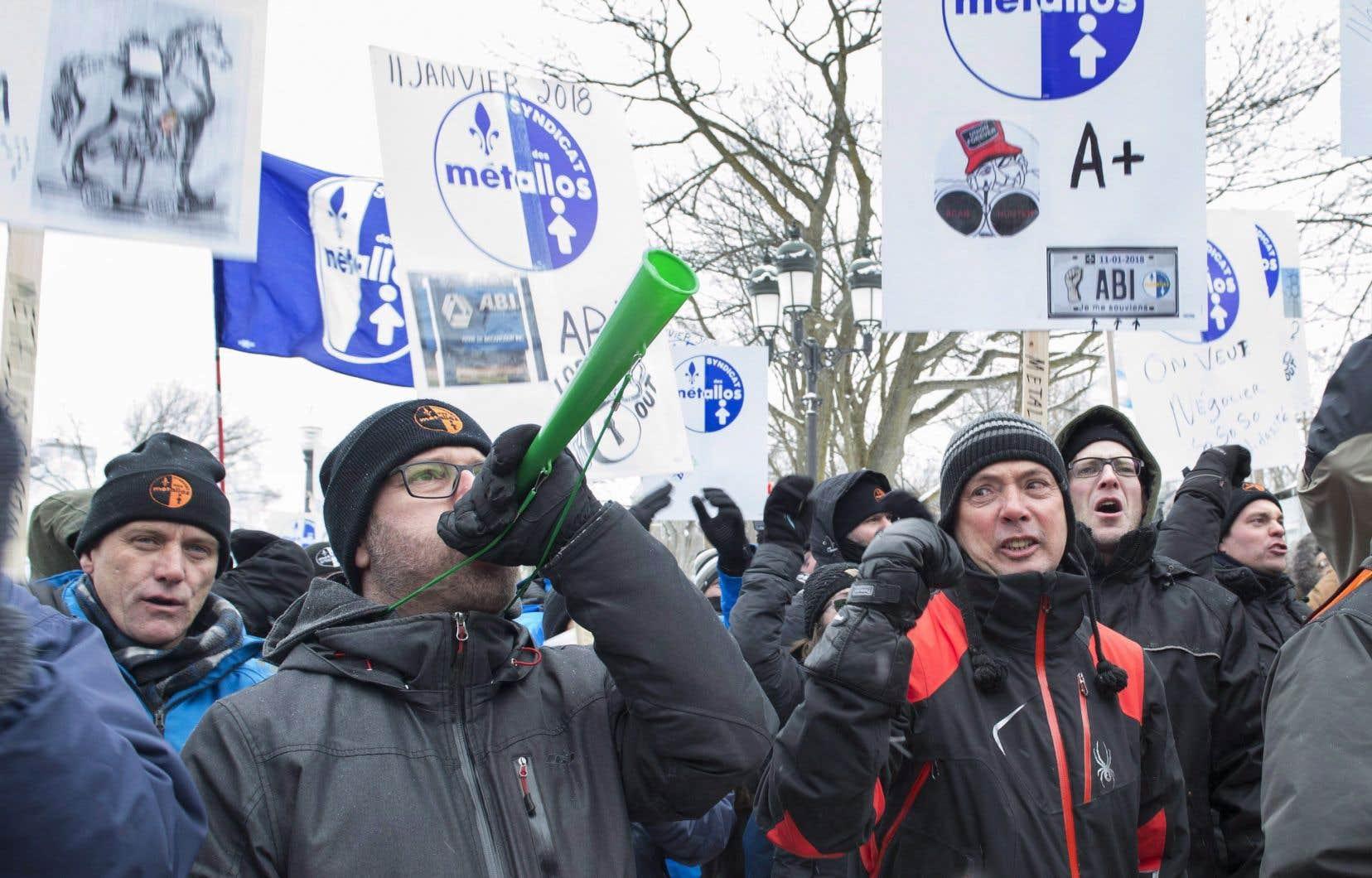 Les employés en lockout d'ABI manifestaient à Québec le 7 février dernier.
