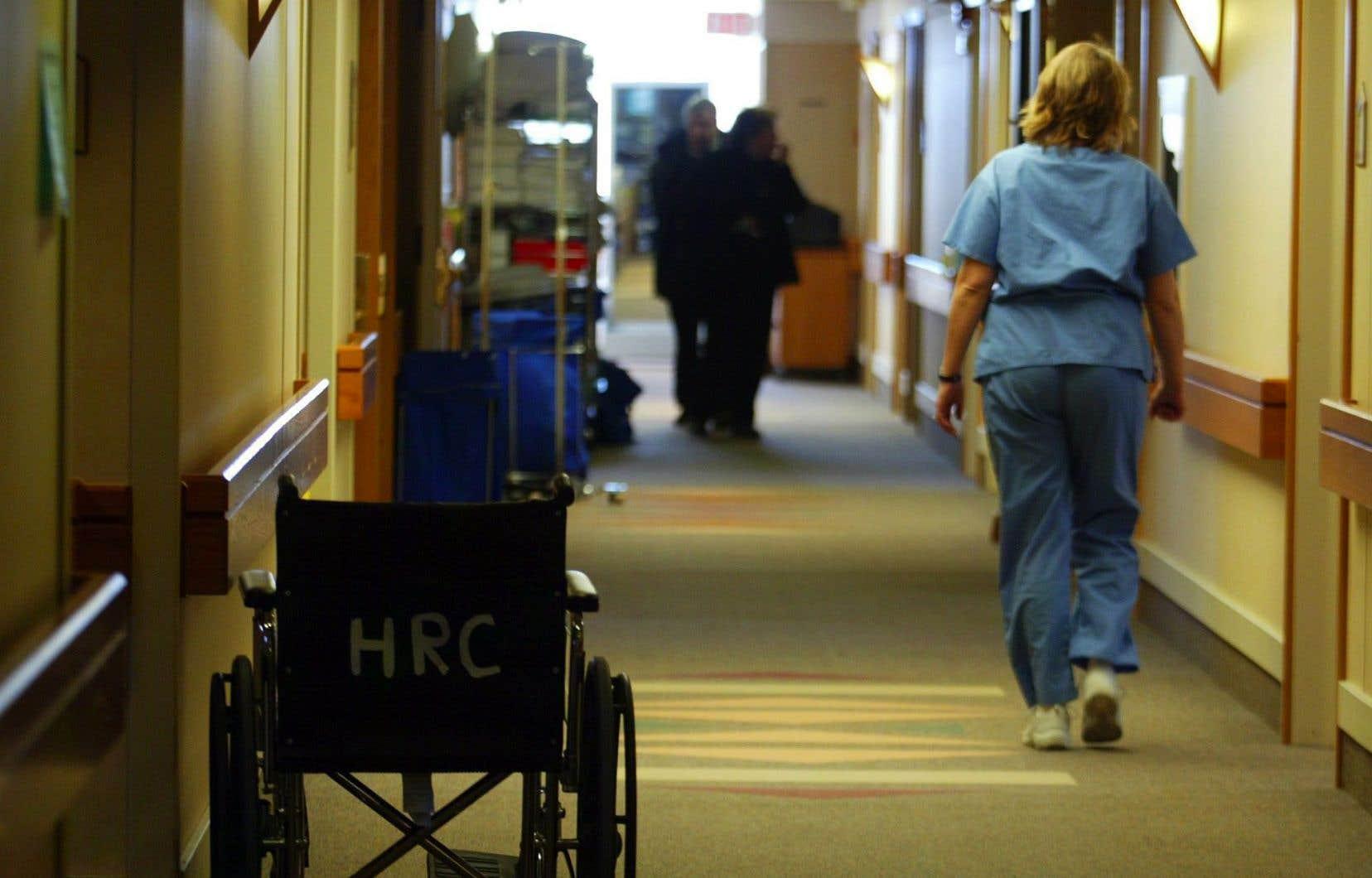 En Ontario, on compte plus de 2200 infirmières praticiennes, alors que le Québec en compte 347 seulement.