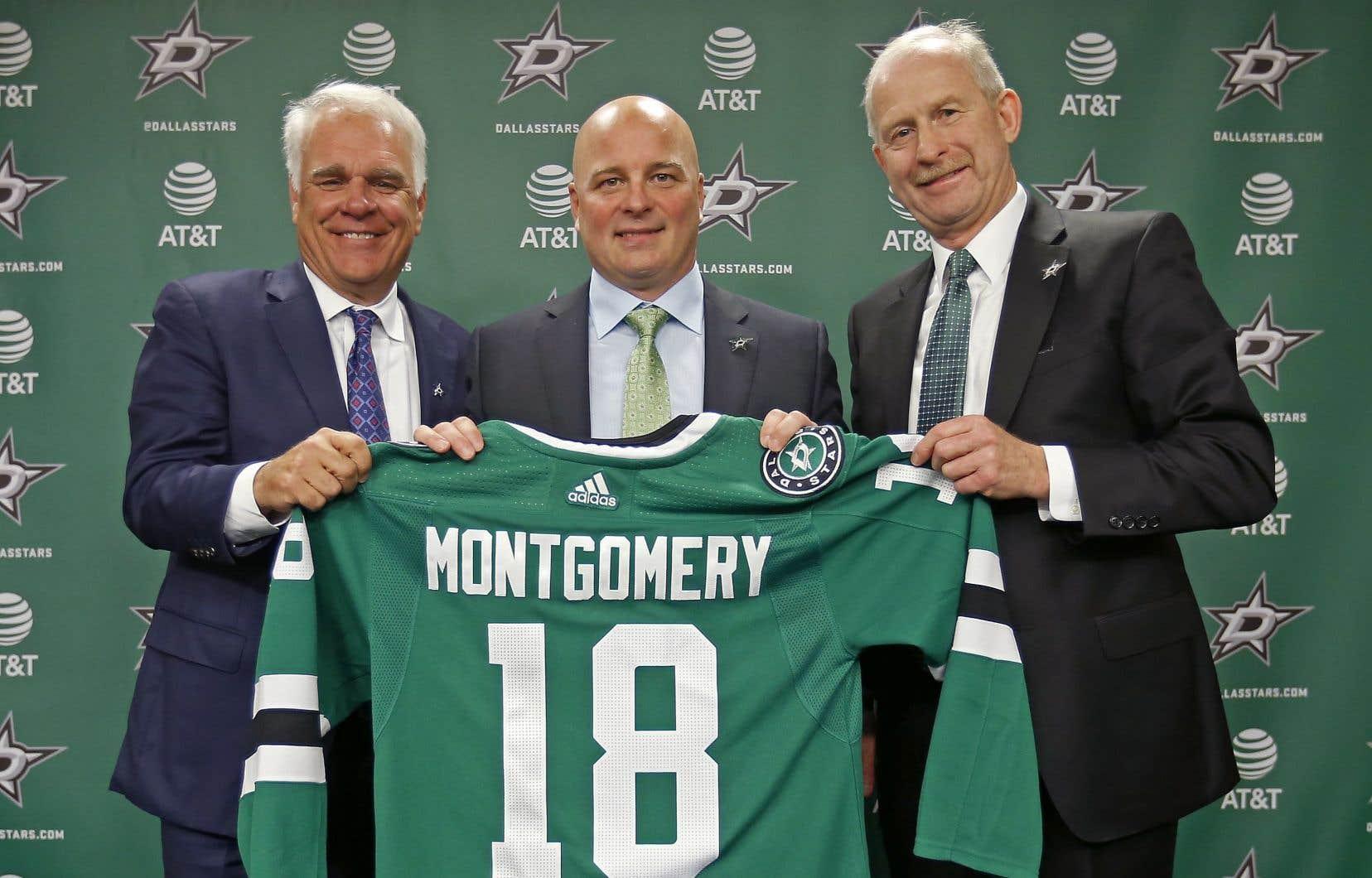 Jim Montgomery a rencontré les médias vendredi, devenant du coup le deuxième entraîneur-chef en trois ans à faire le saut des rangs universitaires jusqu'à la LNH.