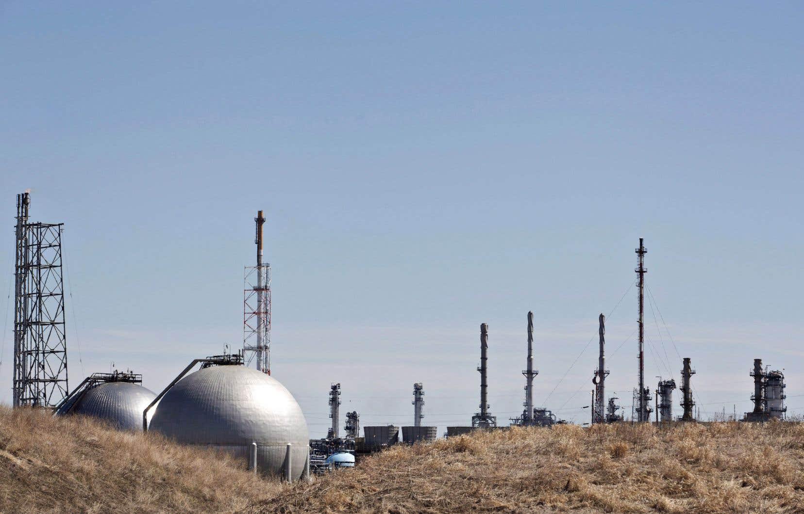 Le Comité sénatorial de l'énergie, de l'environnement et des ressources naturelles rappelle que l'industrie des énergies fossiles suit une trajectoire de forte croissance des émissions de gaz à effet de serre.