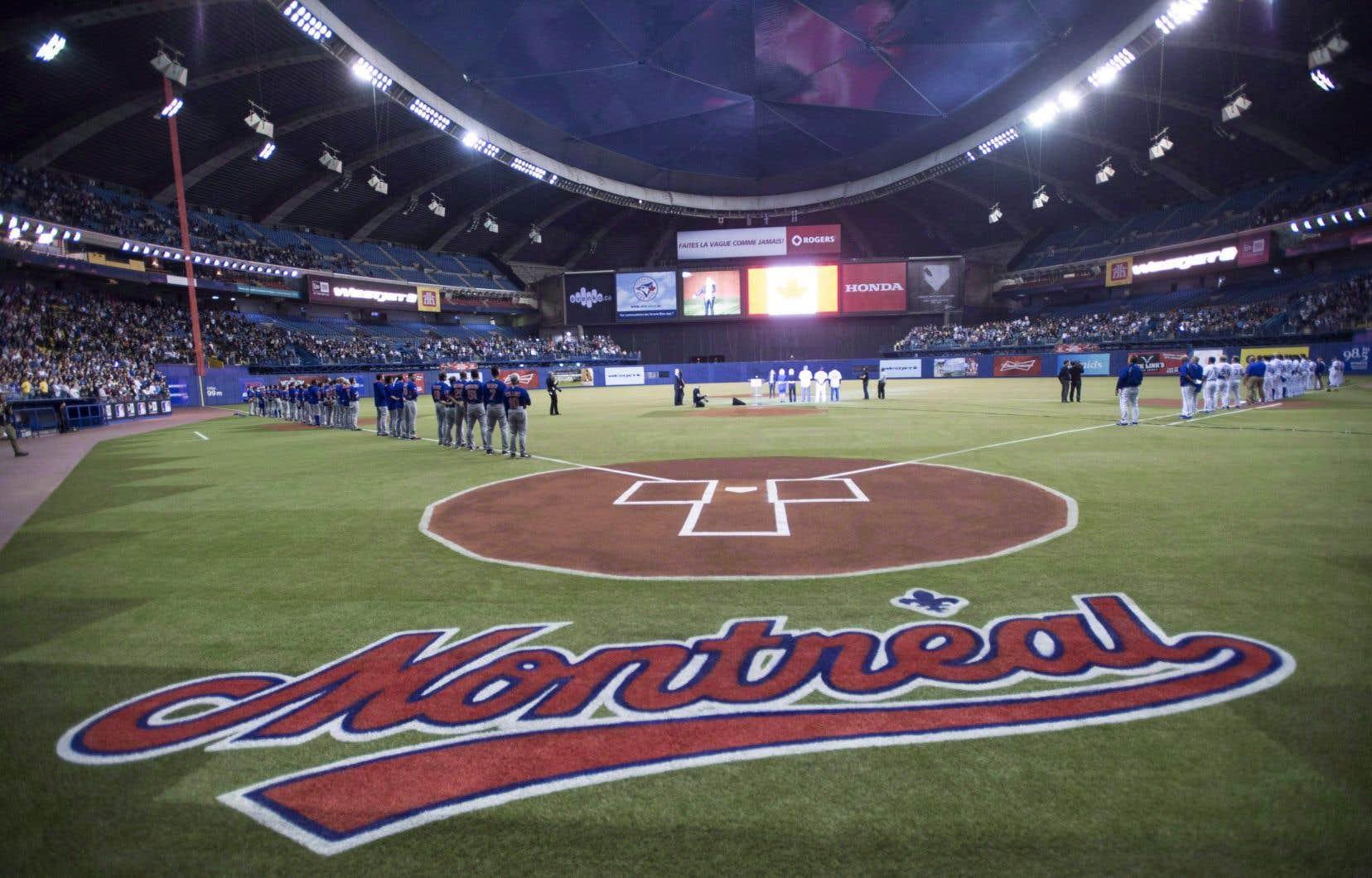 Les Blue Jays et les New York Mets au Stade olympique de Montréal, en 2014