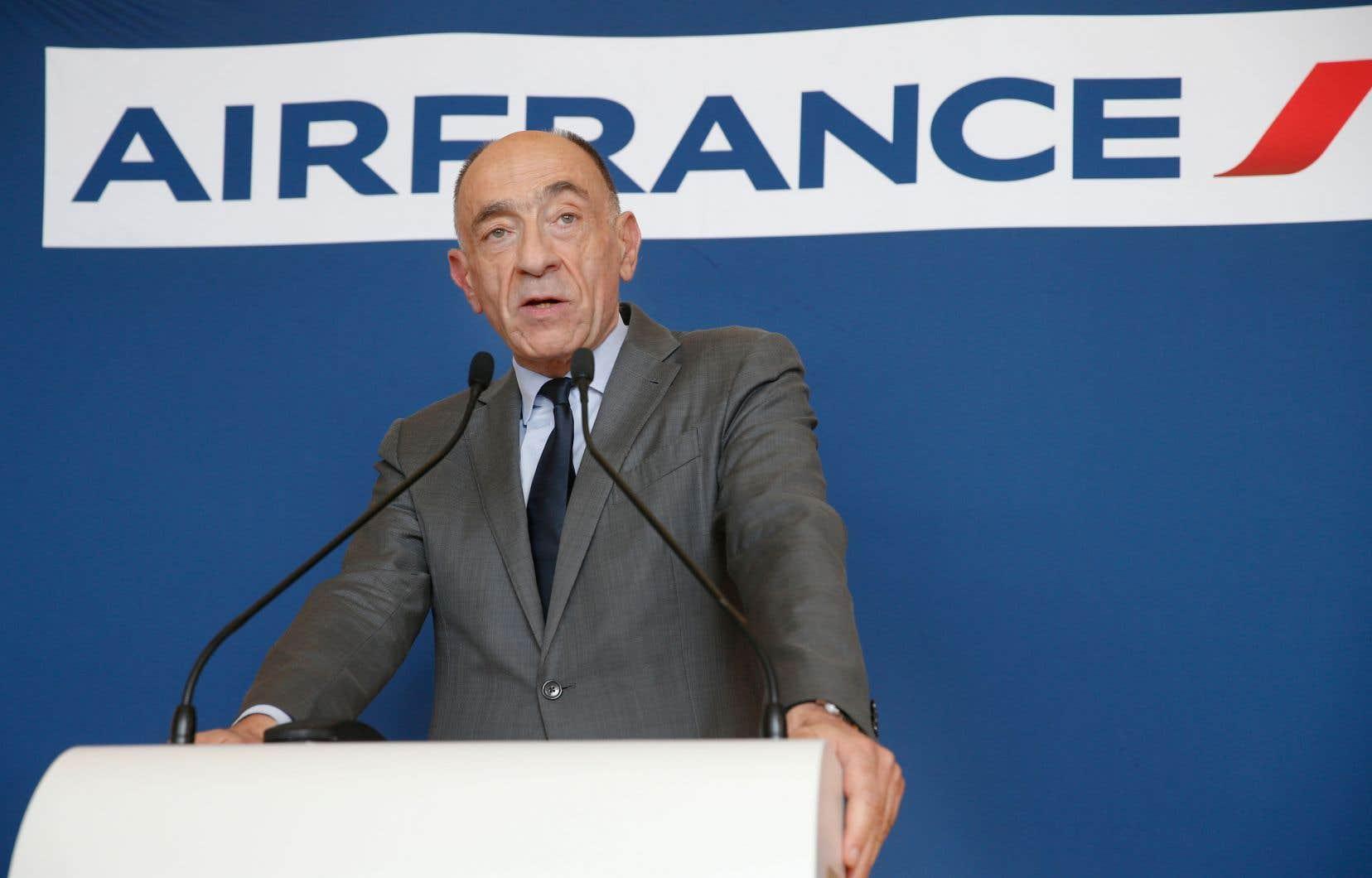Le patron d'Air France-KLM, Jean-Marc Janaillac, a démissionné vendredi après que les employés eurent rejeté les dernières offres salariales de la partie patronale.