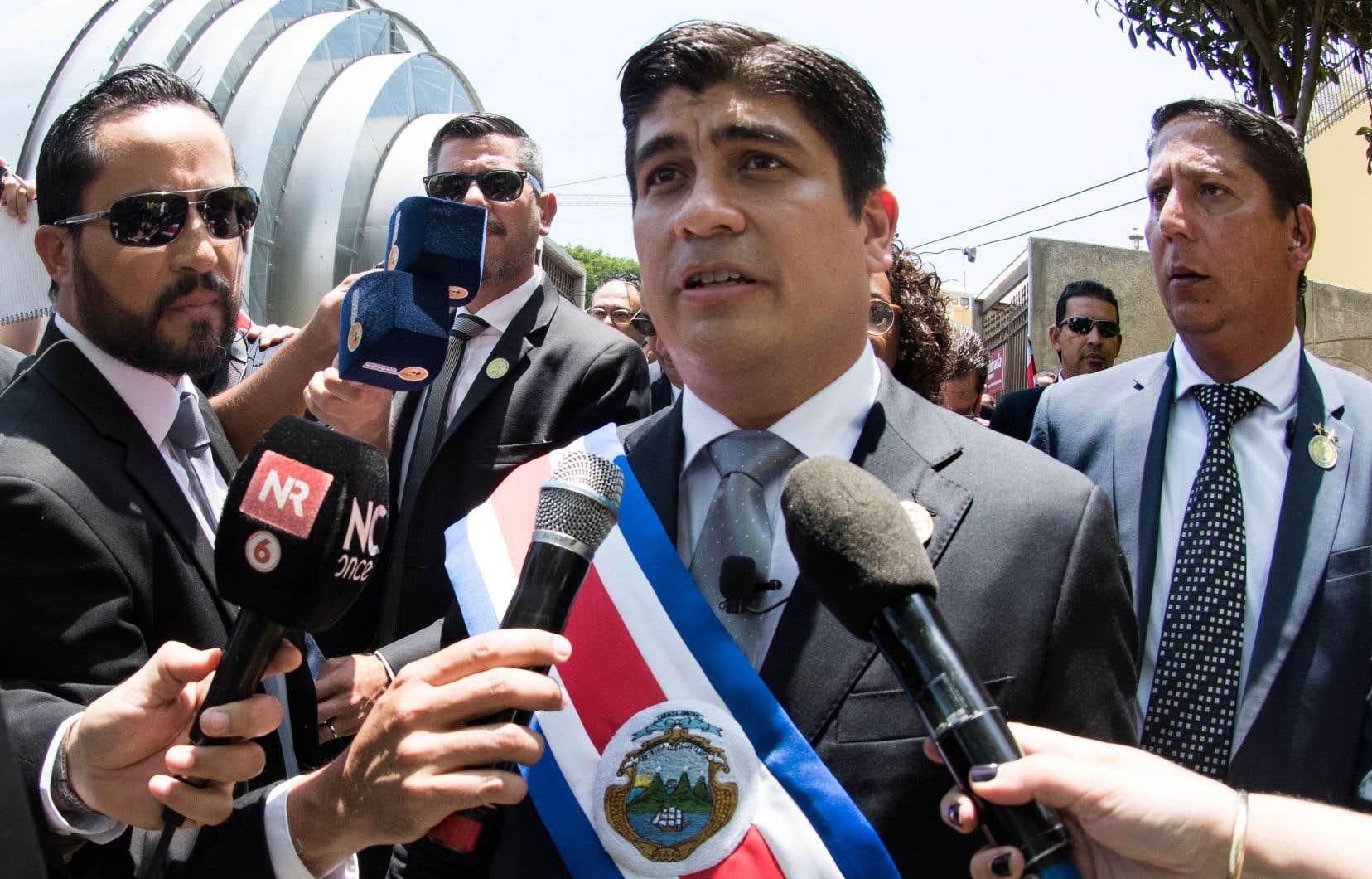 «Nous avons la tâche titanesque et magnifique de supprimer l'utilisation des énergies fossiles dans notre économie pour laisser la place à l'utilisation d'énergies propres et renouvelables», a déclaré leprésident du Costa Rica,Carlos Alvarado,