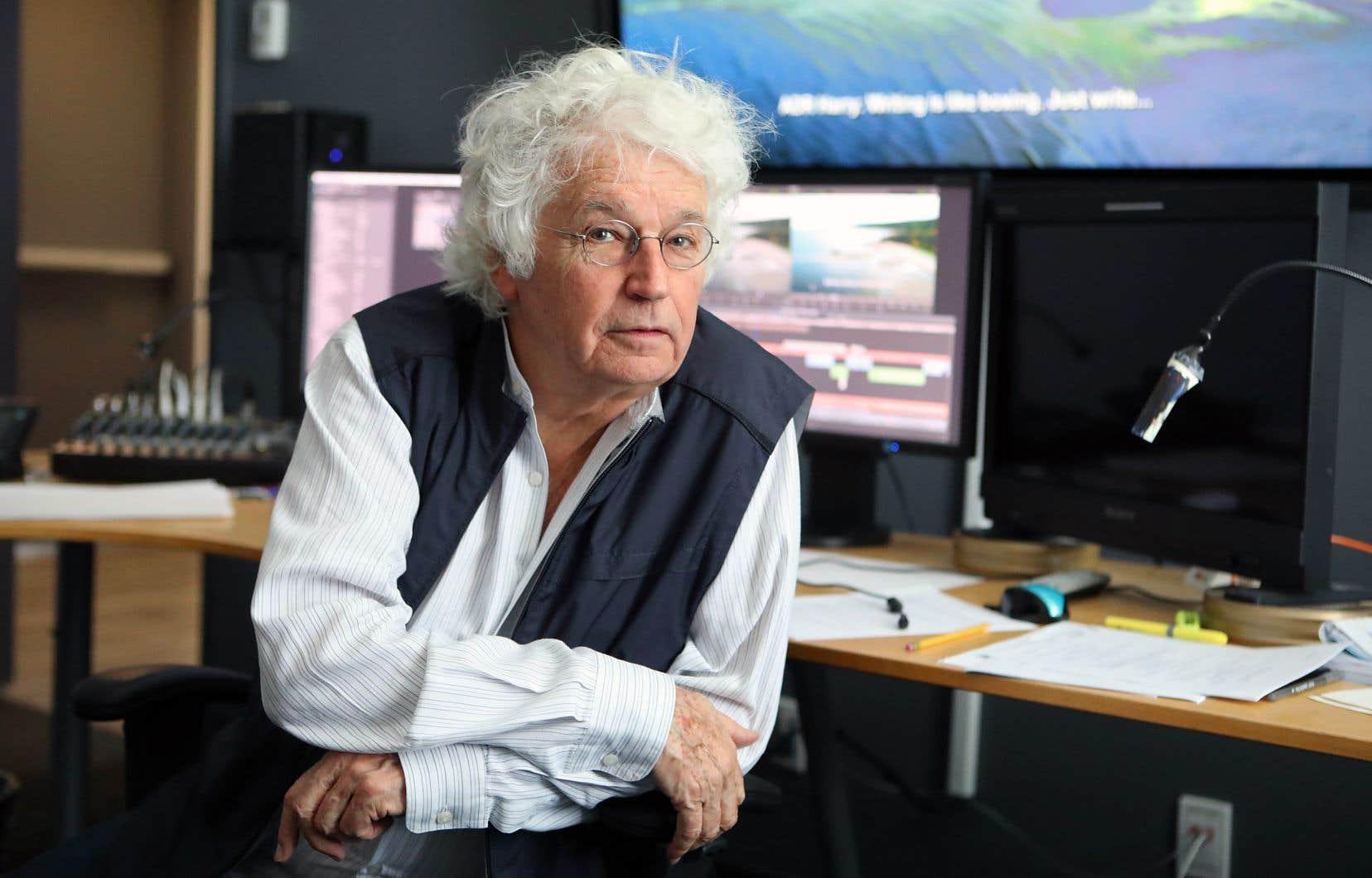 L'une des premières décisions du réalisateur avec son œuvre cinématographique de 1982 fut d'inventer une langue.