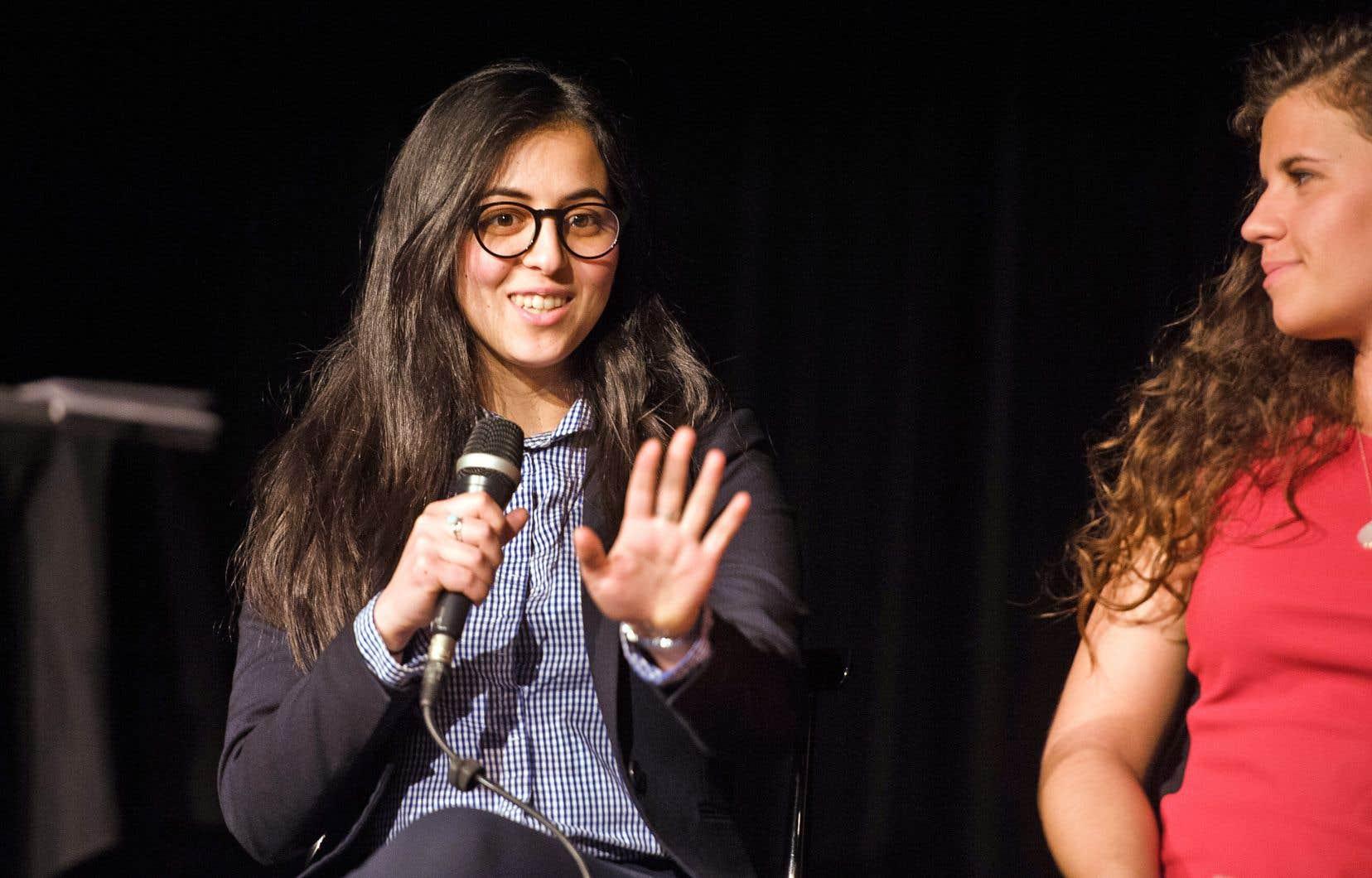 «Le discours politique n'est pas adapté aux réseaux sociaux», selon Ikram Mecheri (à gauche), cofondatrice de la jeune chambre de commerce algérienne du Canada.