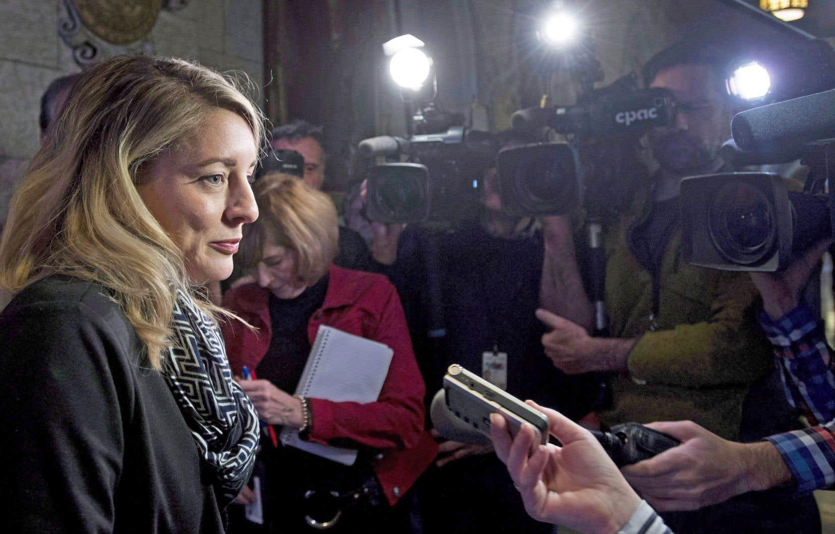 Les gouvernements font preuve de laxisme sur la taxation des GAFA, dont les revenus pourraient servir à soutenir les médias, estime l'auteur. Sur la photo, la ministre du Patrimoine canadien, Mélanie Joly.
