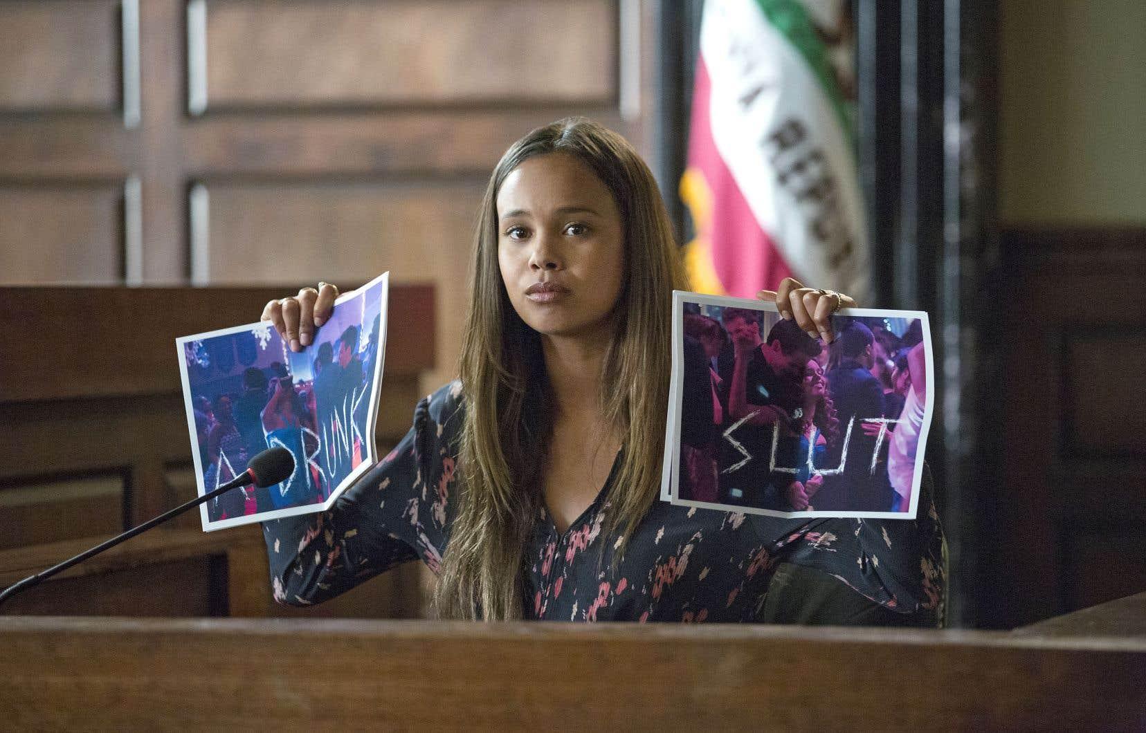Alors que la première saison était narrée par Hannah, chacun des personnages assure la narration de l'épisode tournant autour de son témoignage en cour.