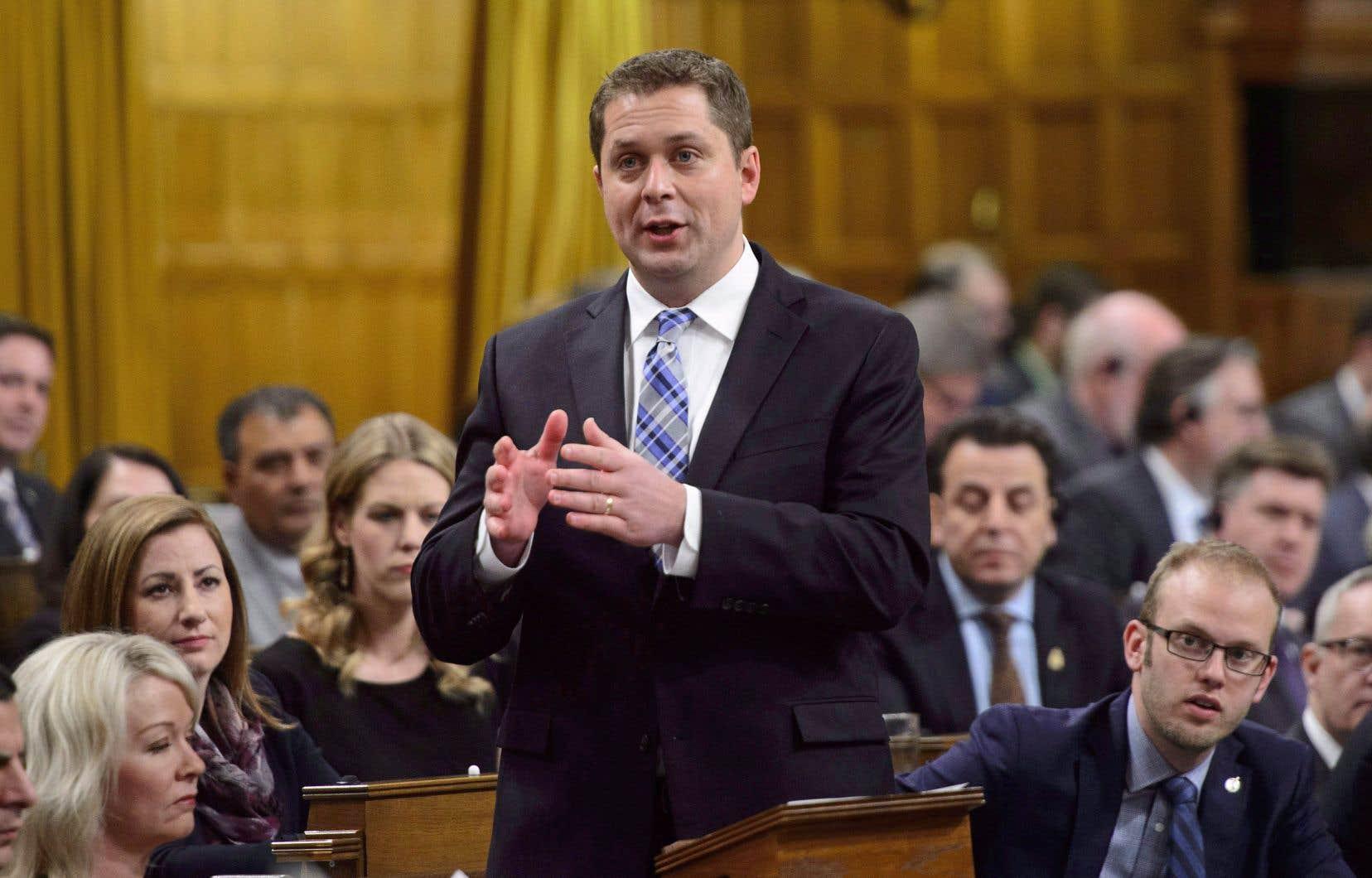 Le chef des conservateurs, Andrew Scheer, a défendu son parti contre les tirs groupés des libéraux dans une déclaration écrite. Il n'était pas en Chambre, jeudi.