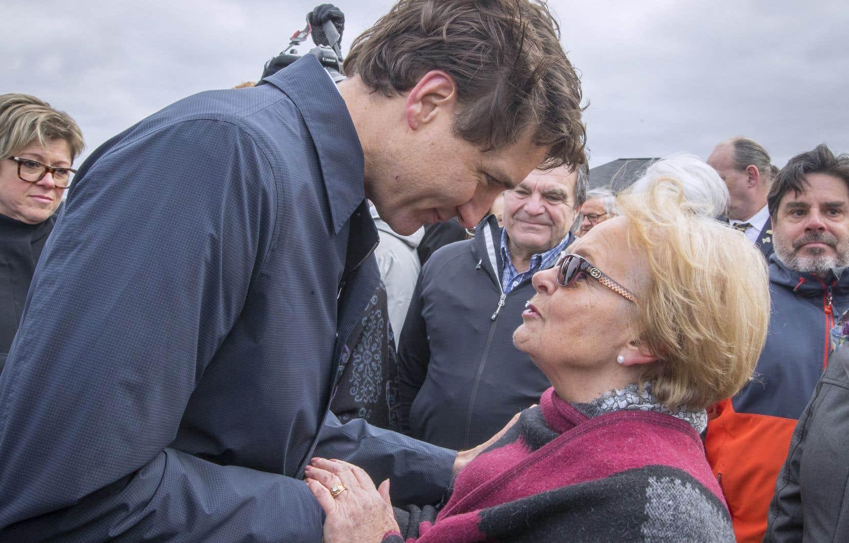 Le premier ministre du Canada, Justin Trudeau, a rencontré vendredi Colette Roy-Laroche, mairesse de Lac-Mégantic au moment du drame qui a coûté la vie de 47 de ses citoyens le 6 juillet 2013.