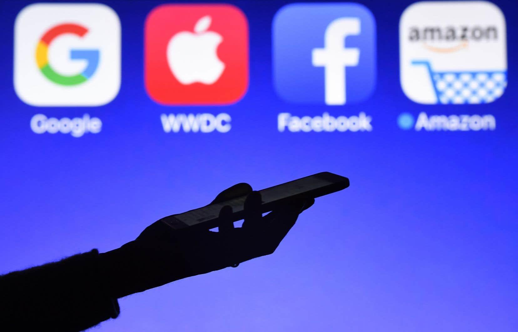 Google, Facebook et d'autres géants étrangers de l'Internet soutirent 80% des revenus de publicité numérique canadiens.