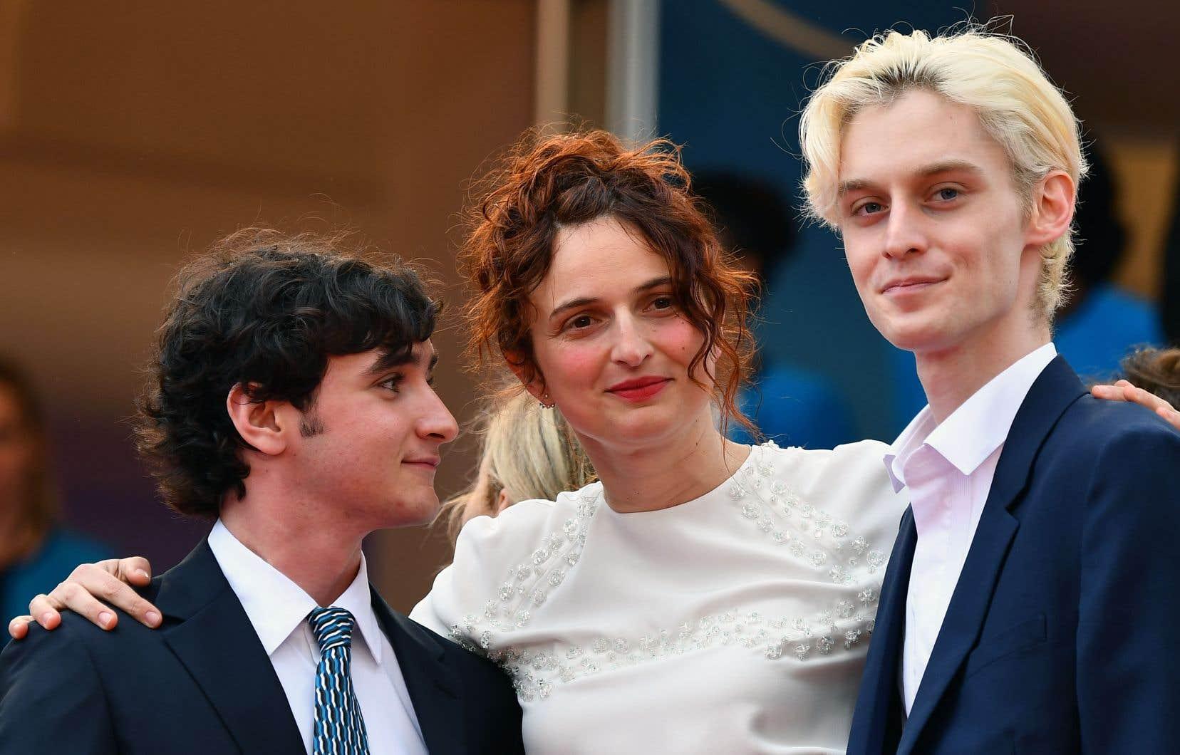 La réalisatrice italienne Alice Rohrwacher entourée des acteurs Adriano Tardiolo et Luca Chikovani, de son dernier long métrage, «Heureux comme Lazzaro».