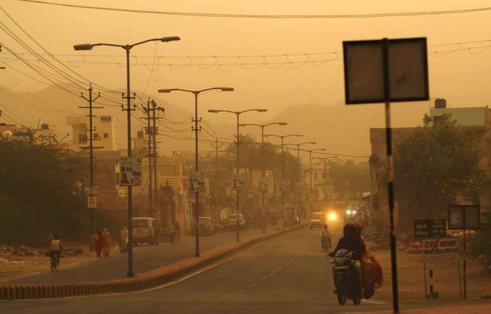 Les tempêtes ont entraîné la mort de plus de 150 personnes en Inde depuis le début du mois.