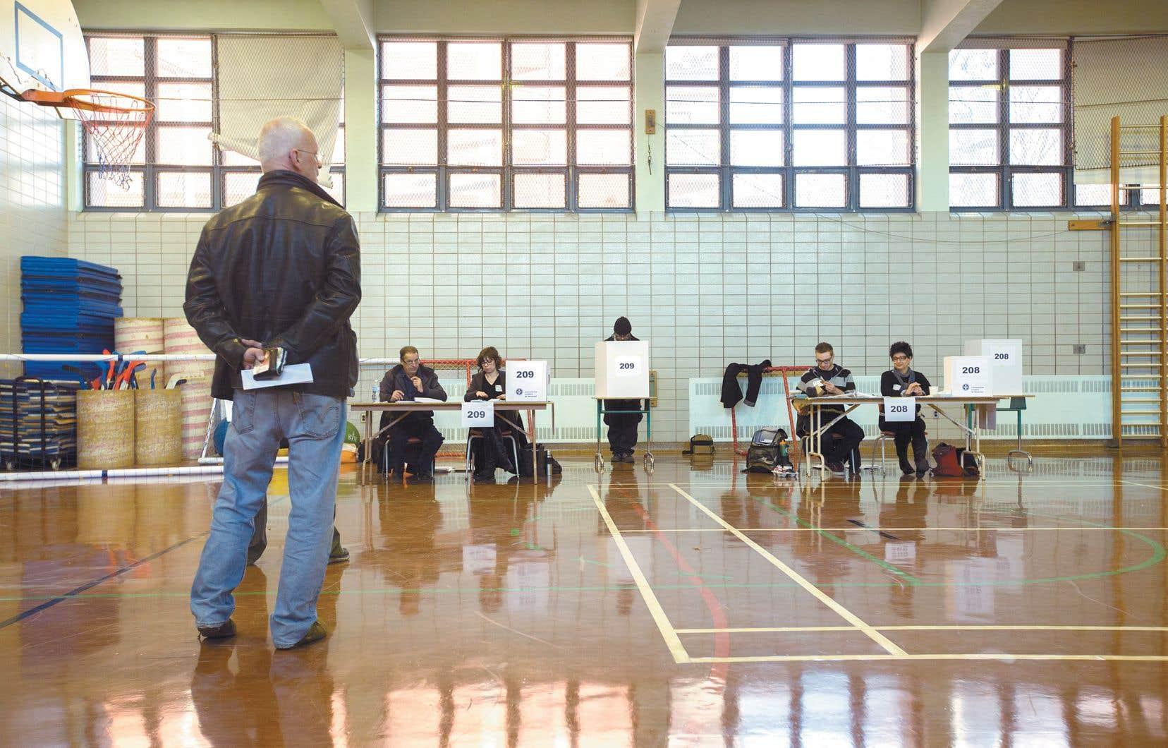 En 2014, le taux de participation aux élections scolaires avait été de moins de 5%, rappelle l'auteur.